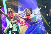 vineeth and lakshmi gopalaswami performing at  kerala state film awards 2017 photos  078