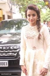 trisha at 96 tamil movie pooja photos 110 007