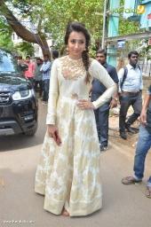 trisha at 96 tamil movie pooja photos 111 006
