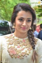 trisha at 96 tamil movie pooja photos 111 009 (1)