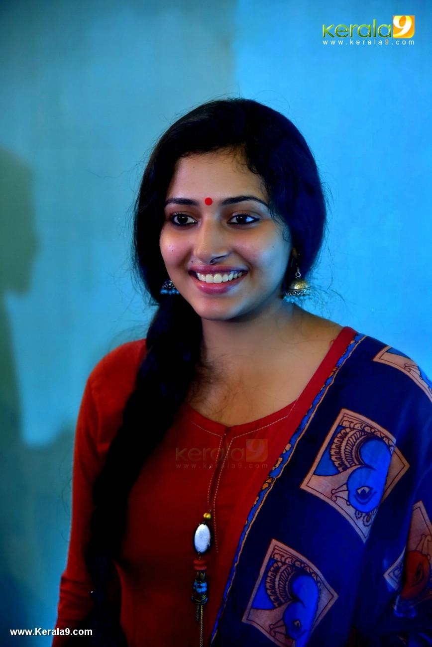 anu sithara at aana alaralodalaral audio launch photos 018