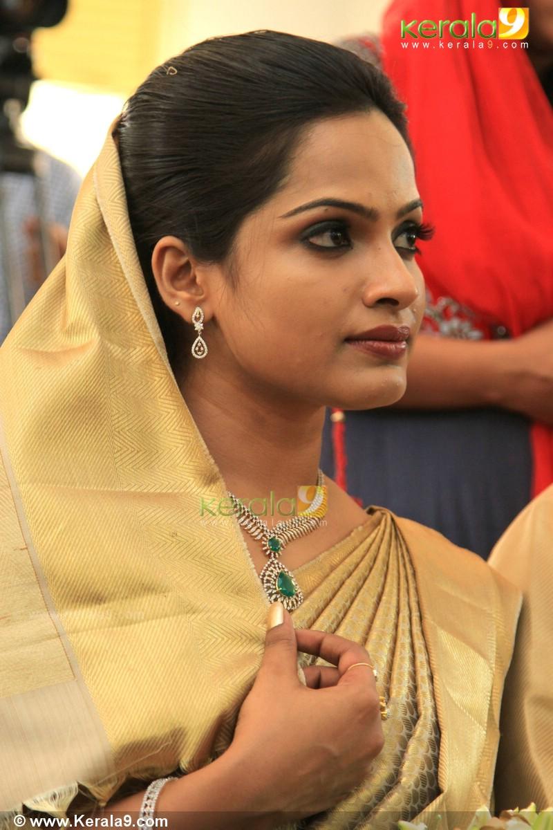 aju varghese wedding pics