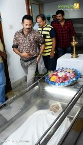 major ravi at jishnu raghavan funeral photos 09382 006
