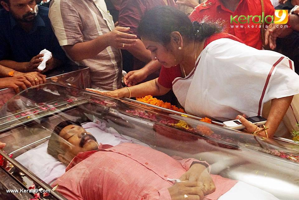 Kalabhavan Mani Funeral Photos 017213