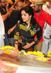 anju aravind at kalabhavan mani funeral ceremony photos 063 003