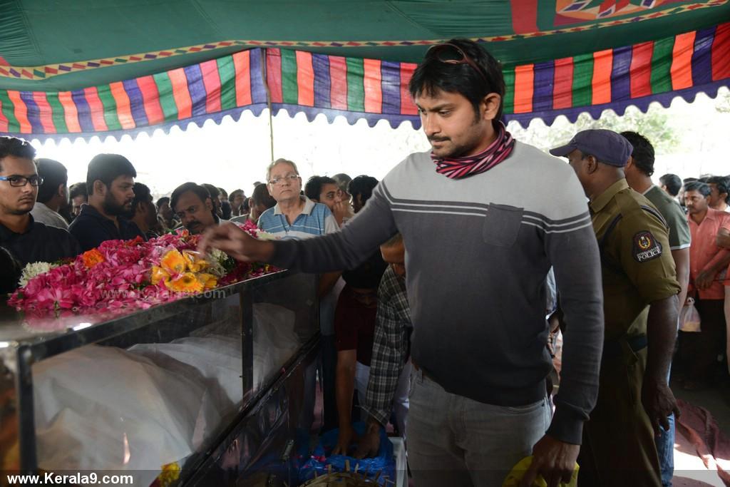 Actor uday kiran death photos 00976 - Kerala9.com Uday Kiran Death Date