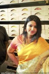 actress sneha at kancheepuram vrk silks inauguration photos 145 004