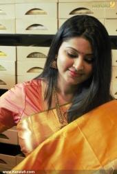 actress sneha at kancheepuram vrk silks inauguration photos 145 005