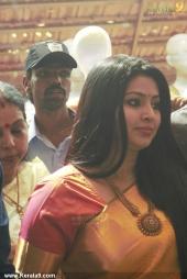 actress sneha at kancheepuram vrk silks inauguration photos 145
