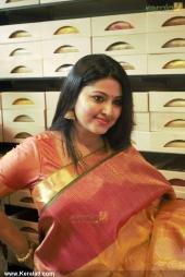 actress sneha iat kancheepuram vrk silks inauguration pictures 105