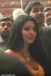 actress sneha in kancheepuram vrk silks inauguration photos 011 005