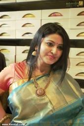 actress sneha in kancheepuram vrk silks inauguration photos 011 031