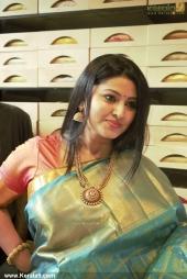 actress sneha in kancheepuram vrk silks inauguration photos 011 032