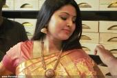 actress sneha in kancheepuram vrk silks inauguration photos 011 03
