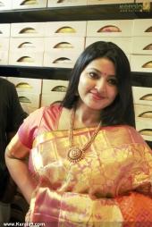 actress sneha in kancheepuram vrk silks inauguration photos 011 037