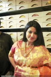 actress sneha in kancheepuram vrk silks inauguration photos 011 040