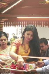 actress sneha in kancheepuram vrk silks inauguration photos 011