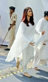 aiswarya rai at sridevi funeral photos 009