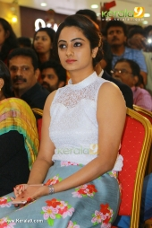 namitha pramod at adi kapyare kootamani audio launch photos album 0643 017