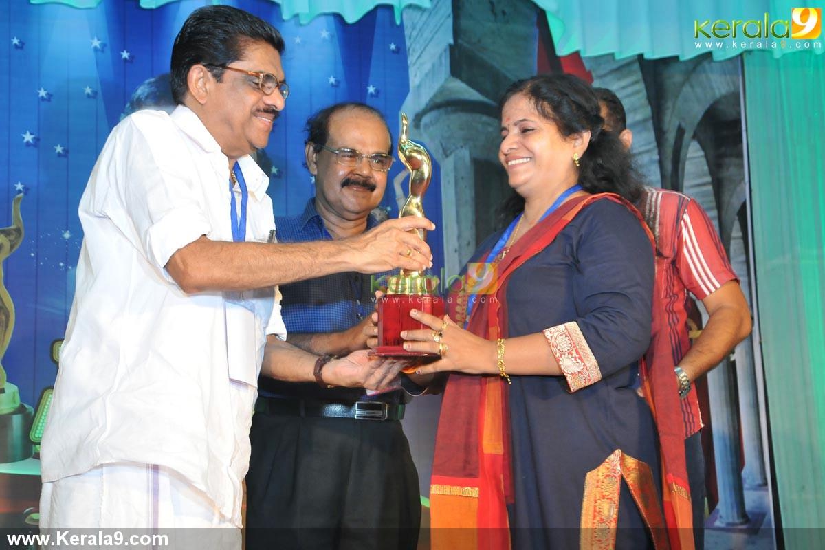 vm sudheeran at adoor bhasi television award 2014 photos 002