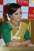 1031manju warrier at kalyan jewellers trivandrum inauguration photos 33 0