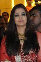 1484aishwarya rai at kalyan jewellers inauguration pics 14 0