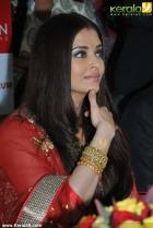 221aishwarya rai and manju warrier at kalyan jewellers inauguration photos 55 0