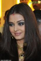 2751aishwarya rai at kalyan jewellers inauguration pics