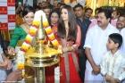 4548aishwarya rai and manju warrier at kalyan jewellers inauguration photos 55 0