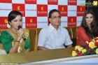 4956aishwarya rai and manju warrier at kalyan jewellers inauguration photos 55 0