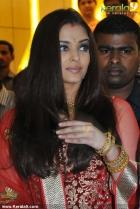 5914aishwarya rai at kalyan jewellers inauguration pics 14 0