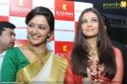 5944aishwarya rai and manju warrier at kalyan jewellers inauguration photos 55 0
