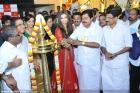 8116aishwarya rai and manju warrier at kalyan jewellers inauguration photos 55 0