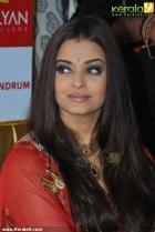 856aishwarya rai and manju warrier at kalyan jewellers inauguration photos 55 0