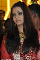9569aishwarya rai at kalyan jewellers inauguration pics 14 0