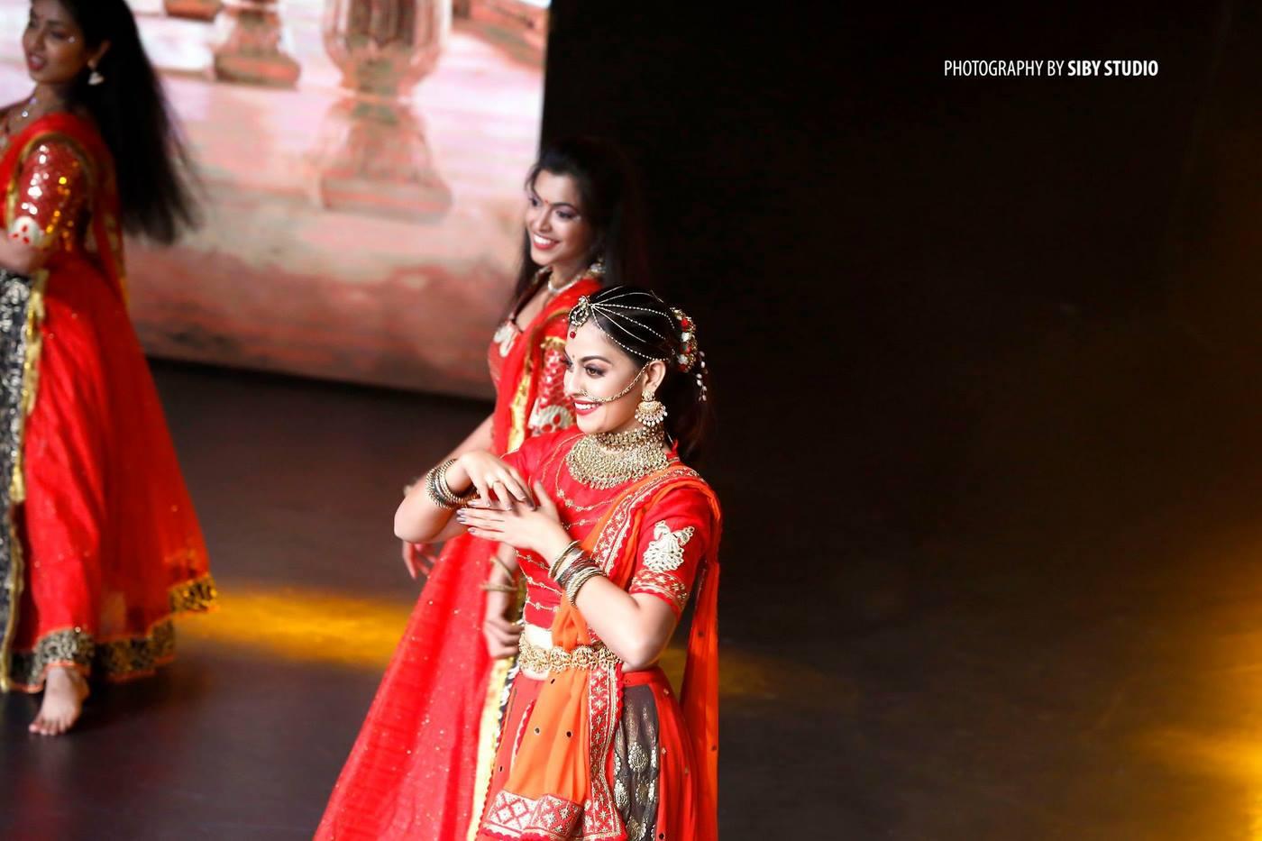 anusree dance at anand tv film awards 2018 photos  2