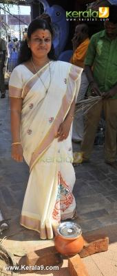 bindu krishna  at attukal pongala 2016 photos 0039 028
