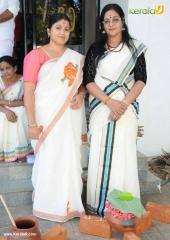 tv actress at attukal pongala 2017 pictures 520 001