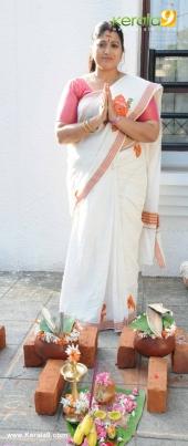 tv actress at attukal pongala 2017 pictures 520 013