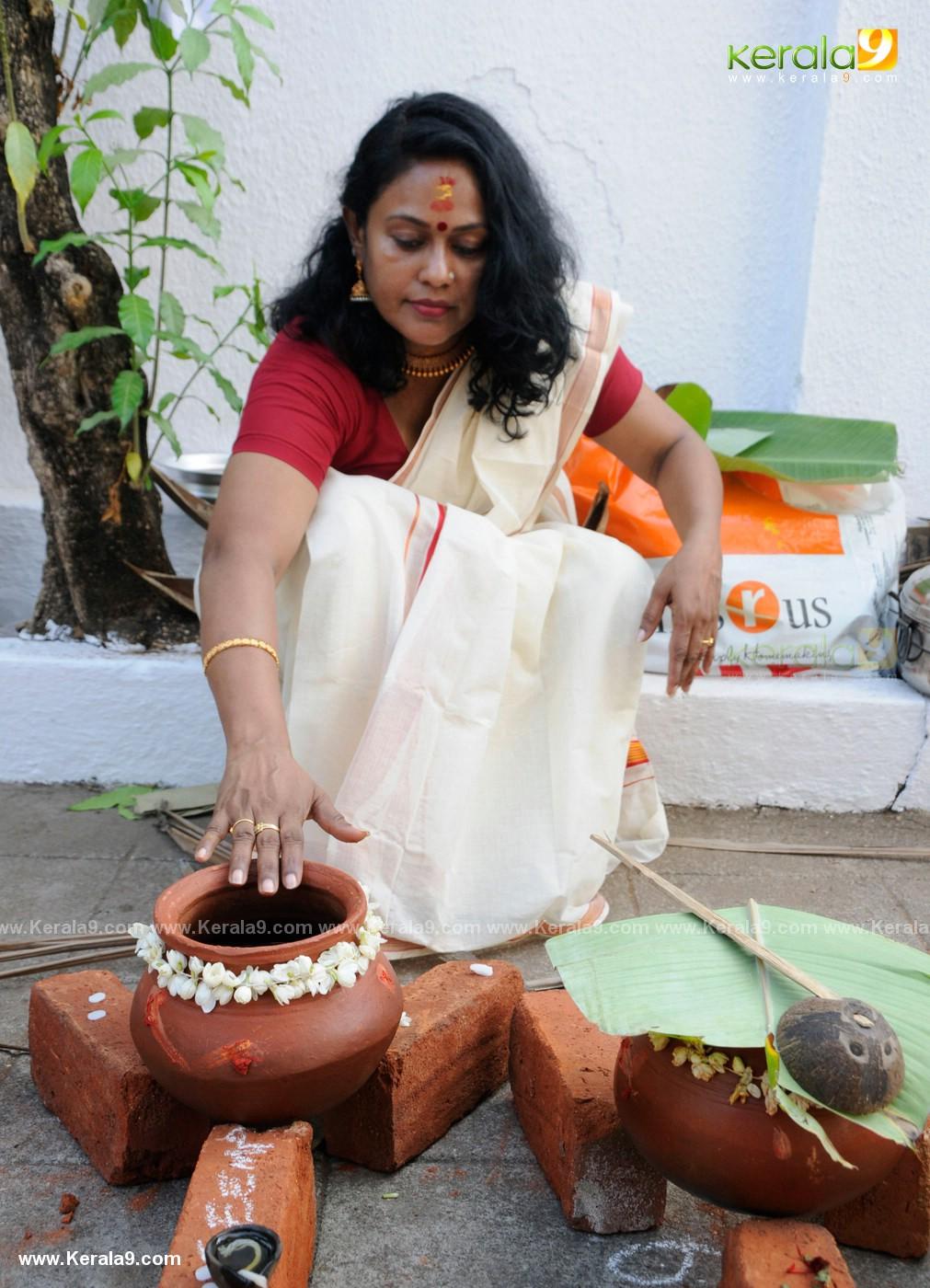 actress at attukal pongala 2019 photos 5