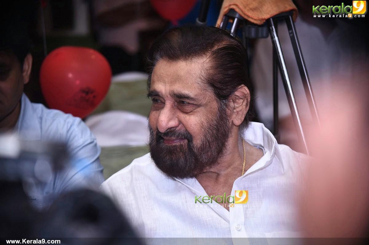 madhu at basheerinte premalekhanam movie pooja photos 510 001