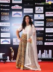 nithya menon at siima awards 2016 photos 0923 016