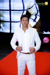 vikram at siima awards 2016 singapore photos 092 02