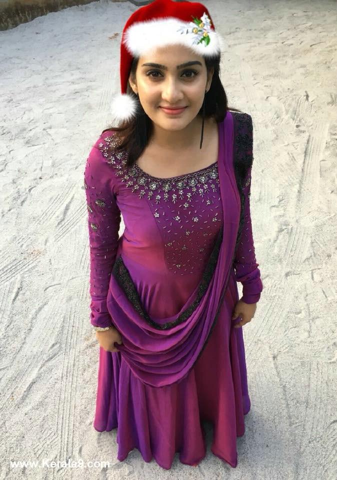 actress aditi ravi christmas celebration photos 039 003
