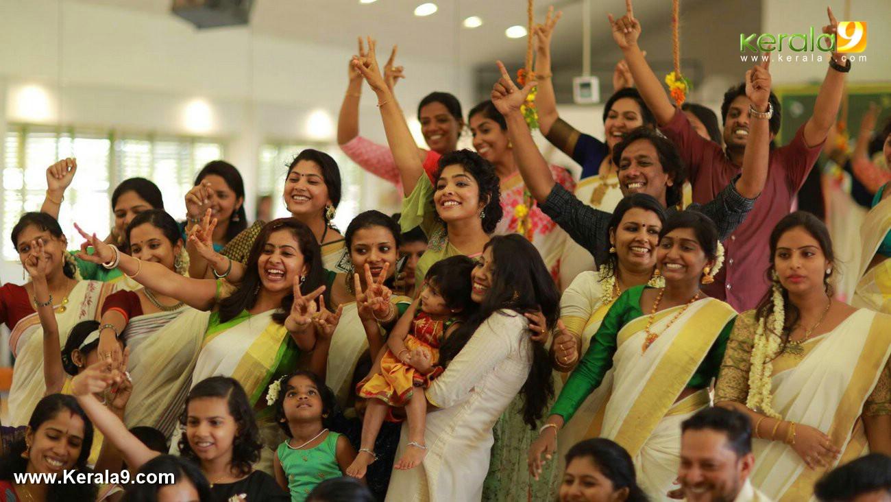 actress rima kallingal onam celebration photos  001