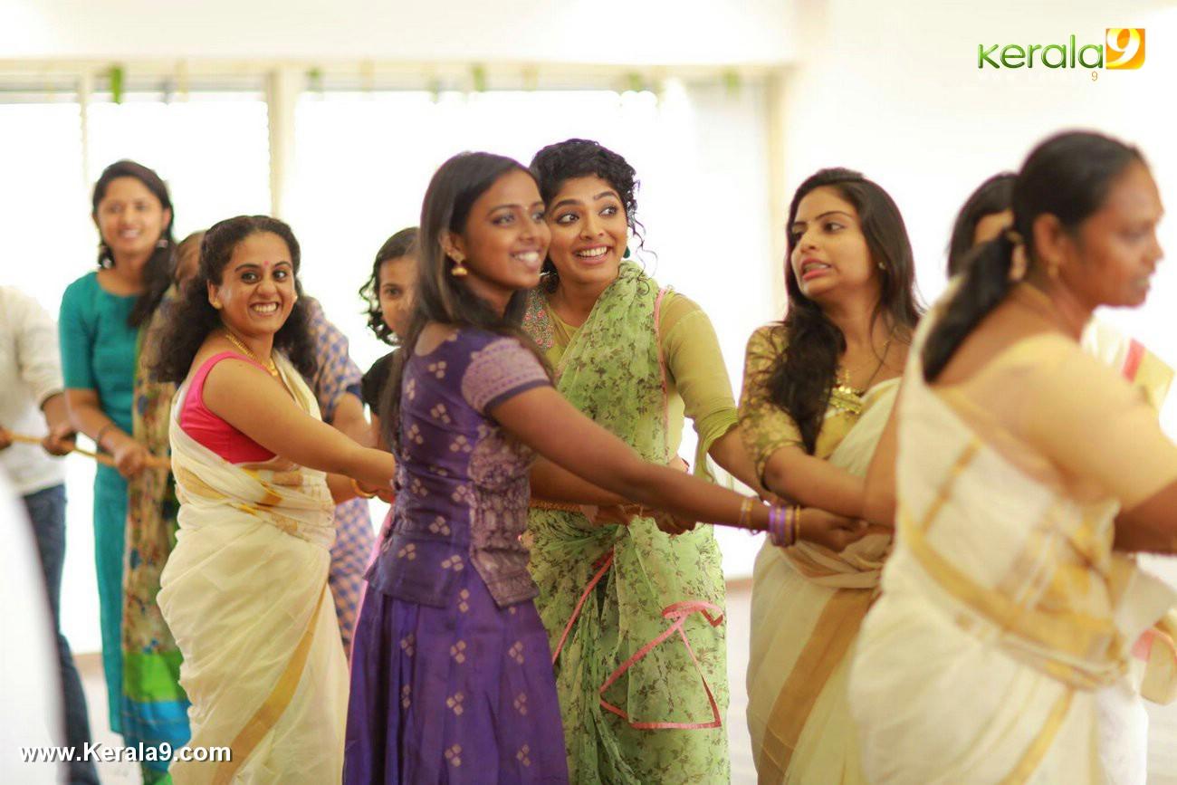 actress rima kallingal onam celebration photos  004