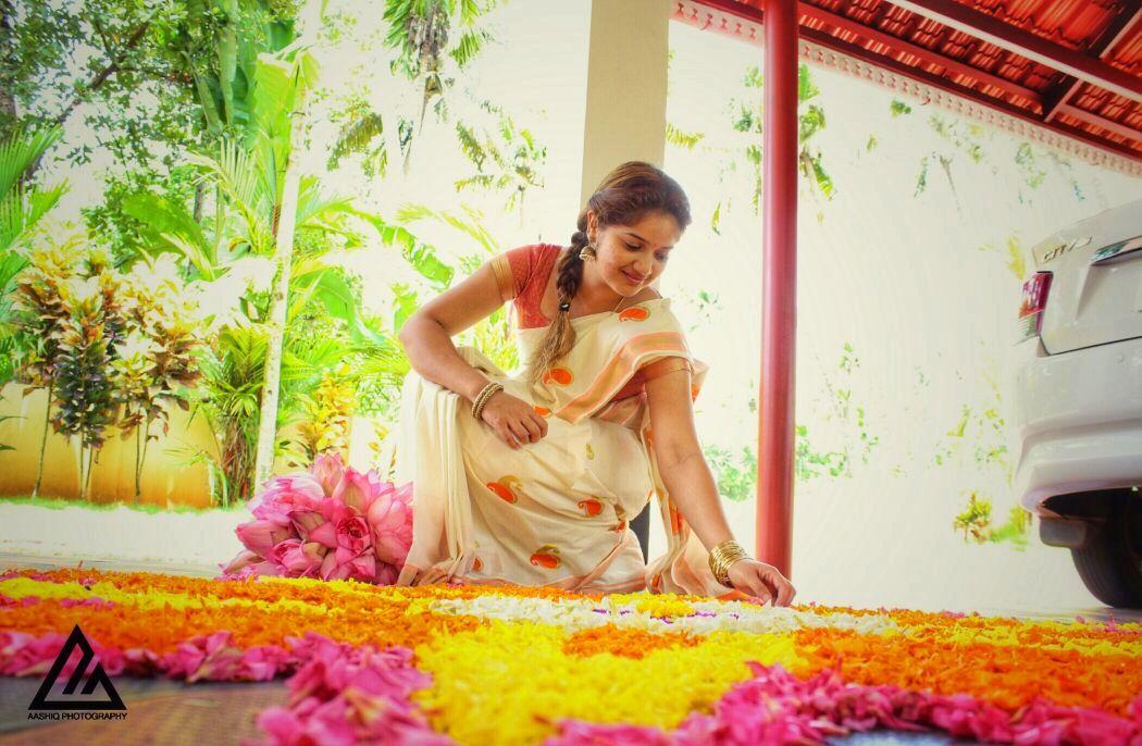 malayalam actress onam celebration photos 002 002