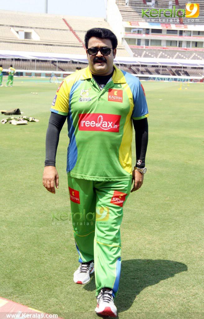 Celebrity Cricket League - facebook.com