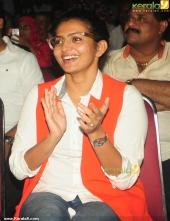charlie malayalam movie success meet parvathy pics 130 010
