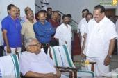 v s achuthanandan at chief minister pinarayi vijayan iftar party photos 110 001